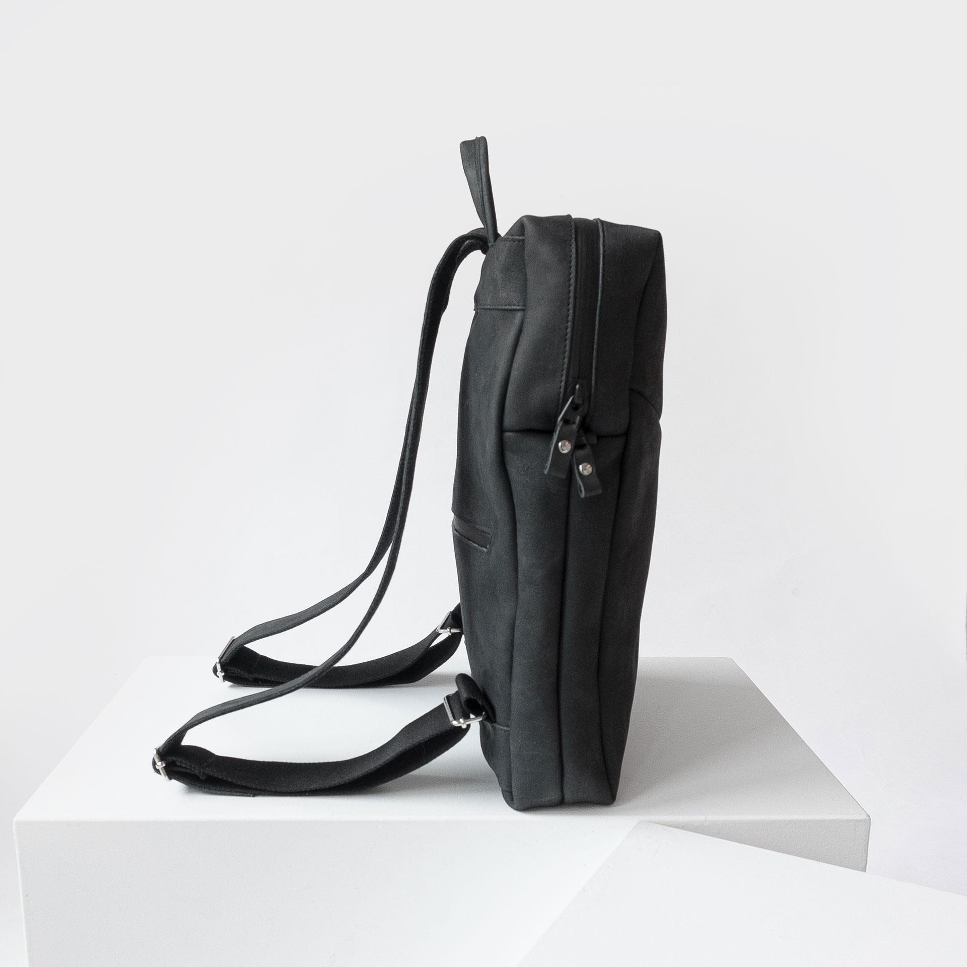 Rucksack-NEO-Small-Daypack-kohle-seitenansicht