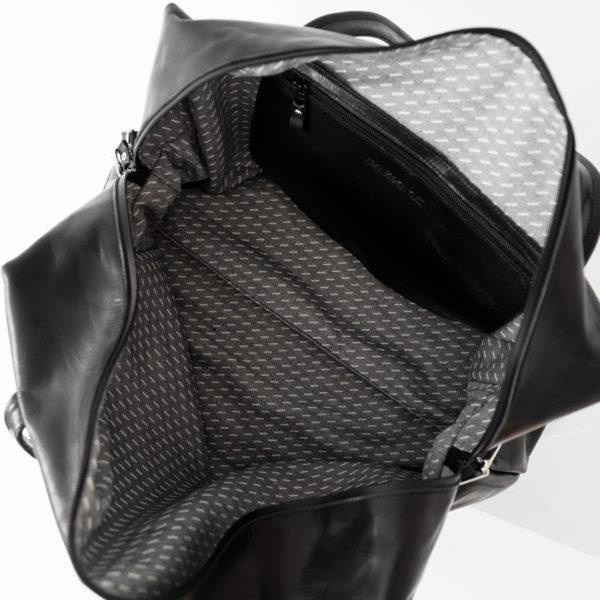 Ansicht von oben Weekender Reisetasche RIO mit Henkeln und Schultergurt aus schwarzem geölten Naturleder