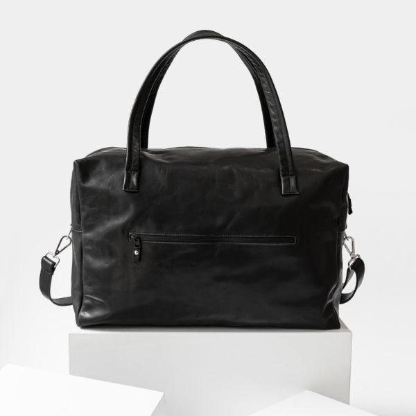 Rückansicht Weekender Reisetasche RIO mit Henkeln und Schultergurt aus schwarzem geölten Naturleder