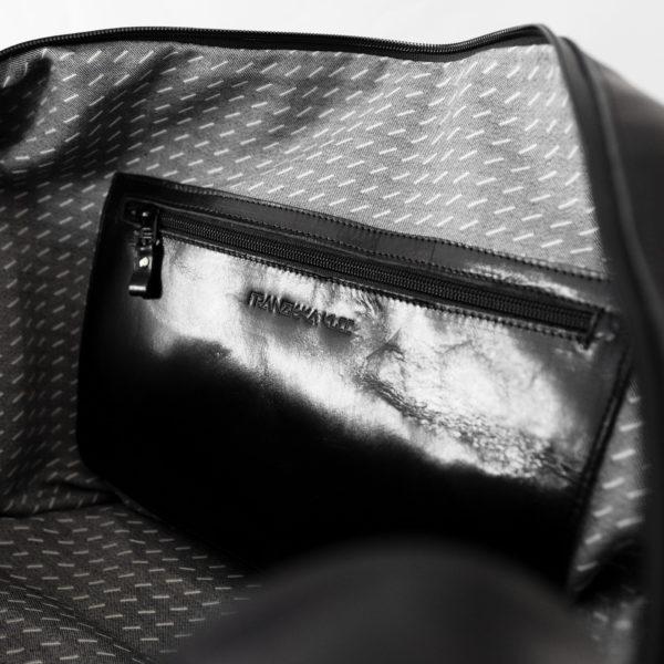 Weekender Reisetasche RIO aus schwarzem geölten Naturleder Ansicht Innenfach