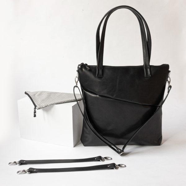 Wickeltasche MIA MIDI aus Naturleder in Schwarz geölt mit befestigtem Umhängegurt und Zubehör bestehend aus Utensilientasche und Aufhängung für den Kinderwagen